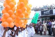 Nehru trophy 2014 ghoshayatra children with tri colour balloons