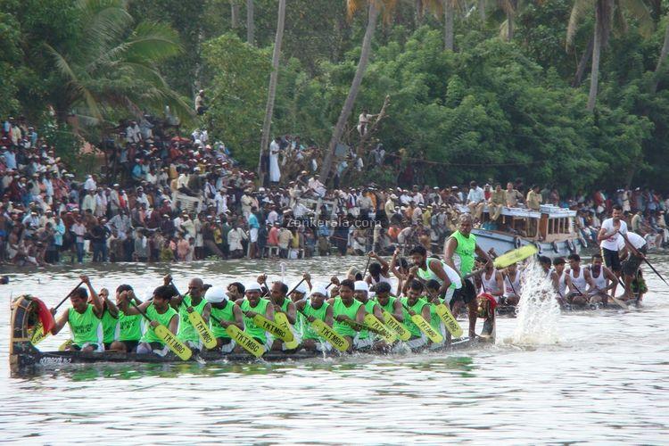 Onam boat pic