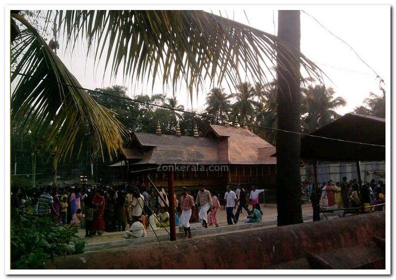 Puttingal temple meena bharani photo 2