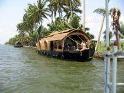 Houseboat 6083