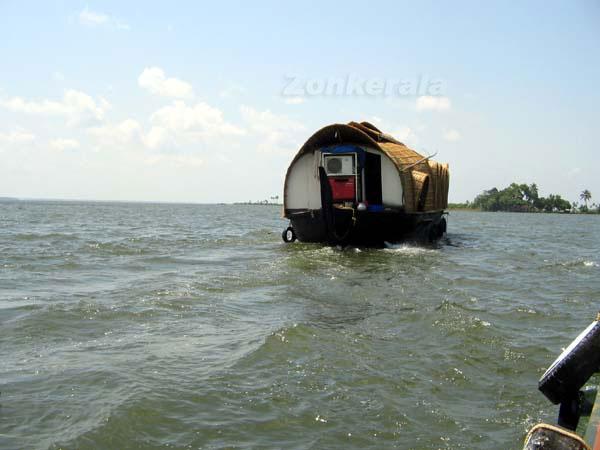 Houseboat 6109