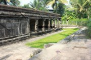 Mandapam at jain temple sulthan bathery 77