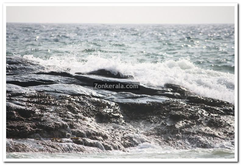 Sea at kovalam photos 5