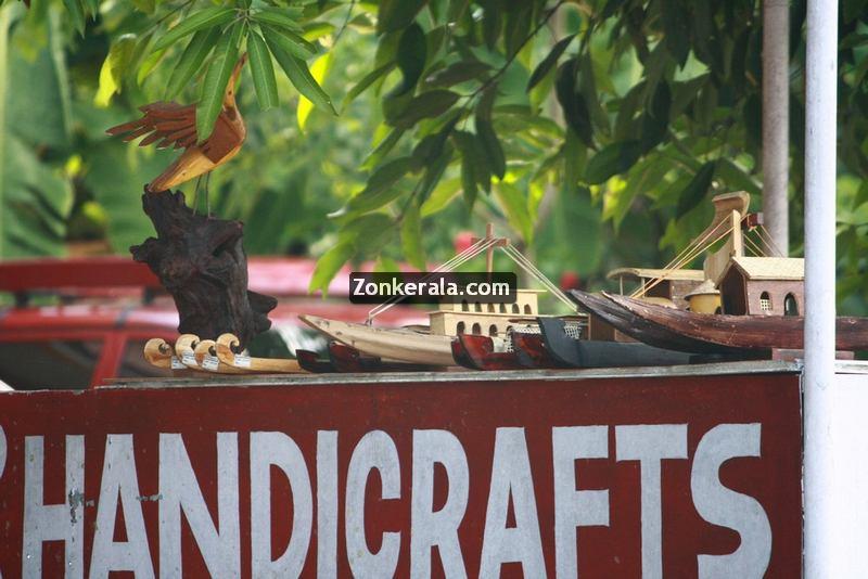 Handicrafts for sale at kumarakom 4