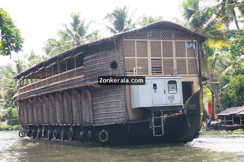 Kumarakom house boat photos 12