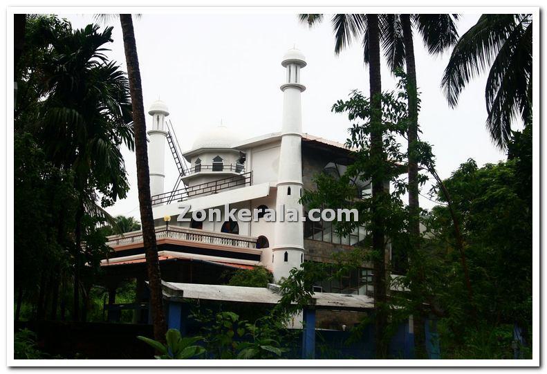 Masjid at mahe