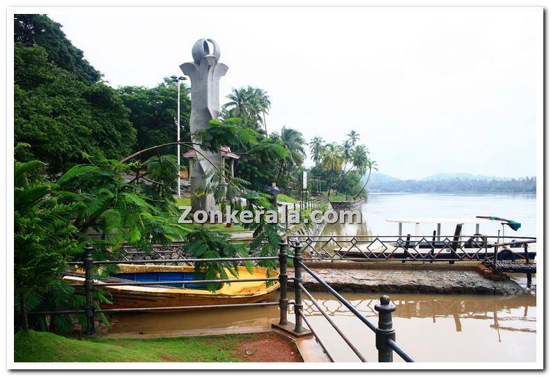 Near mahe river