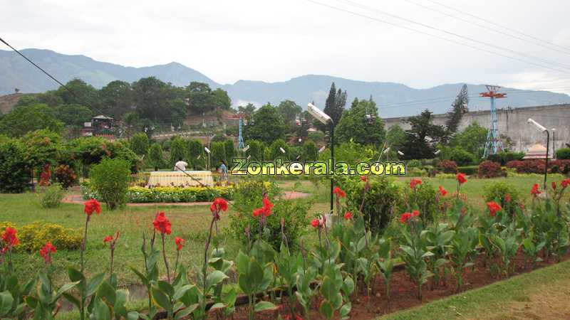 Pictures of garden in kerala joy studio design gallery for Garden designs in kerala
