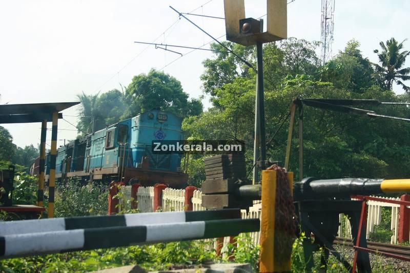 Haripad railway level cross 1