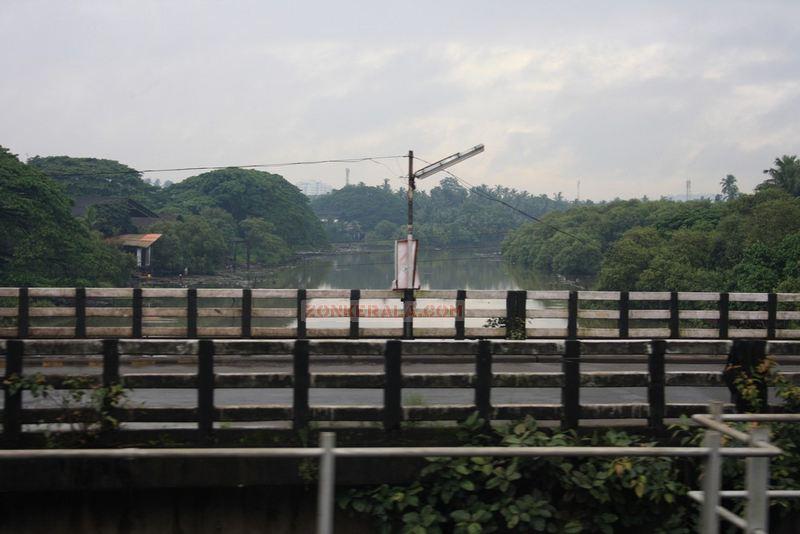 Kallayi puzha from train
