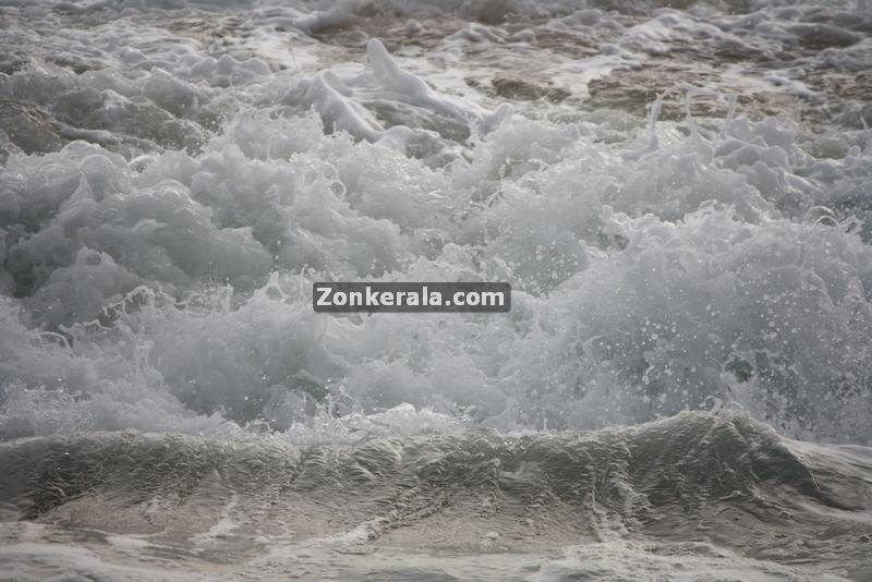 Sea at shanghumugham beach 3