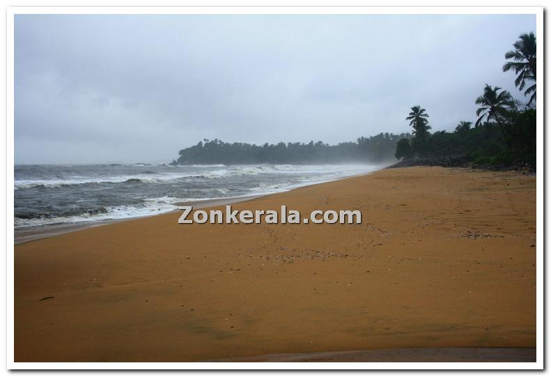Thalassery beach photo 1
