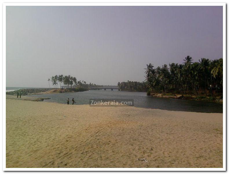 Varkala papanasam beach photo 1