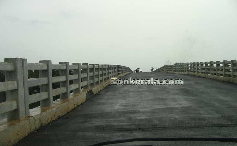 Thakazhy bridge photo