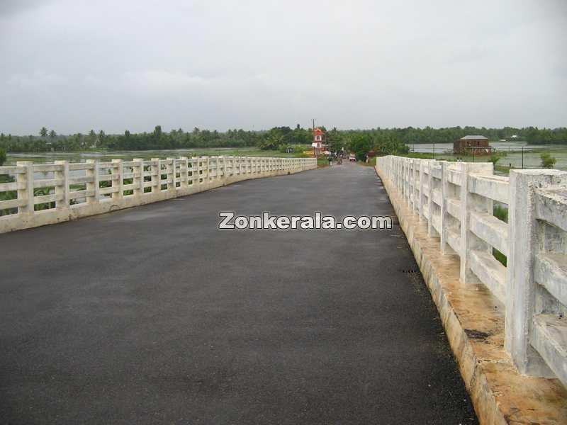 Thakazhy bridge