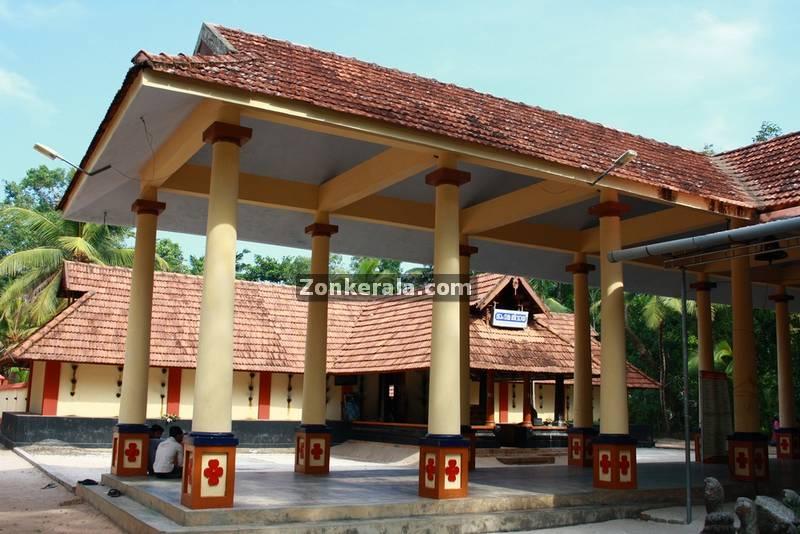 Haripad thrippakkudam siva temple 3