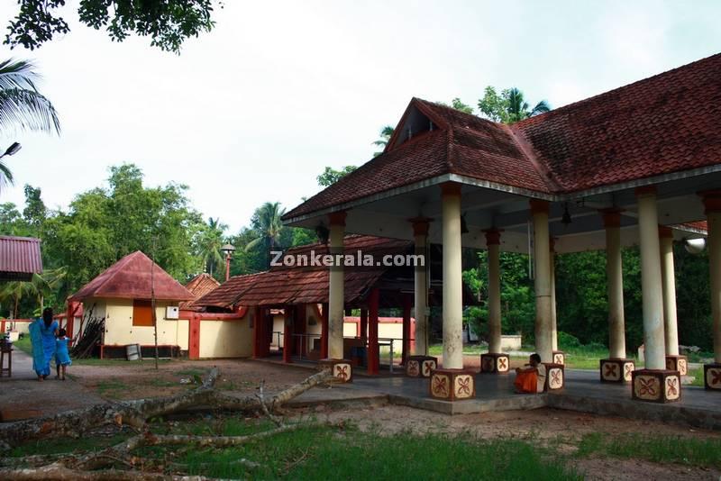 Kanyattukulangara temple ayaparampu photos 2