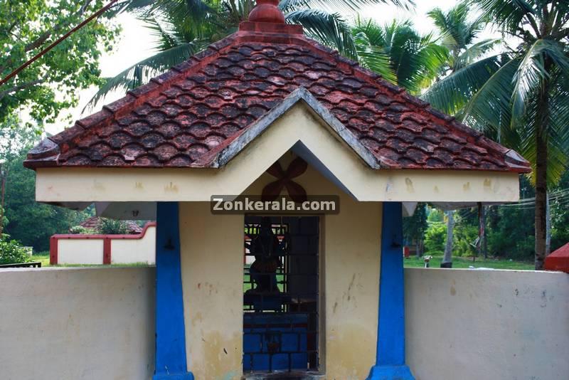 Kanyattukulangara temple ayaparampu photos 5