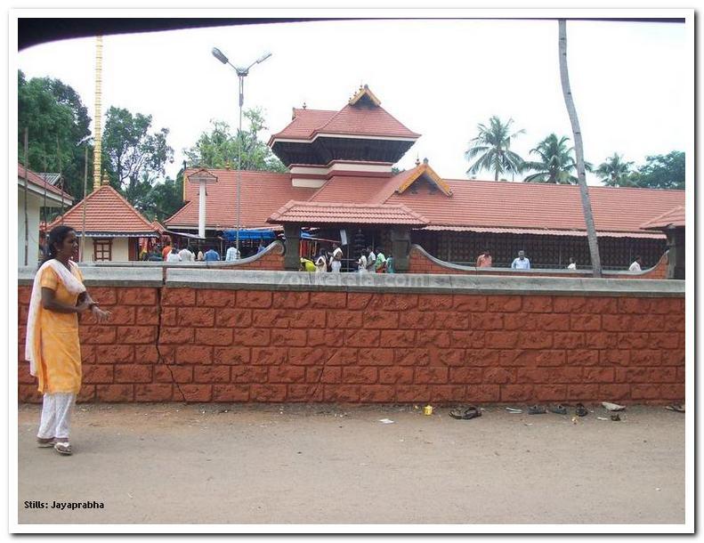 Chakkulathukavu temple
