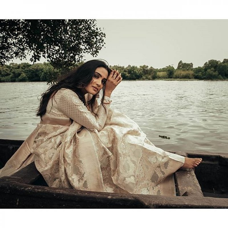 2020 Wallpaper Aditi Ravi Indian Actress 8365