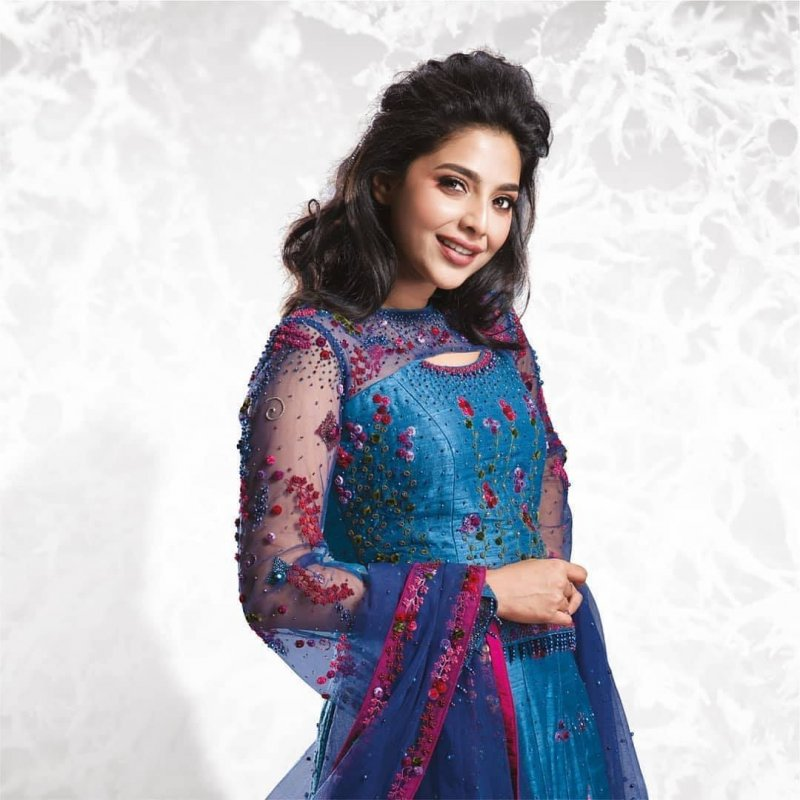 Aishwarya Lekshmi Malayalam Actress New Albums 425