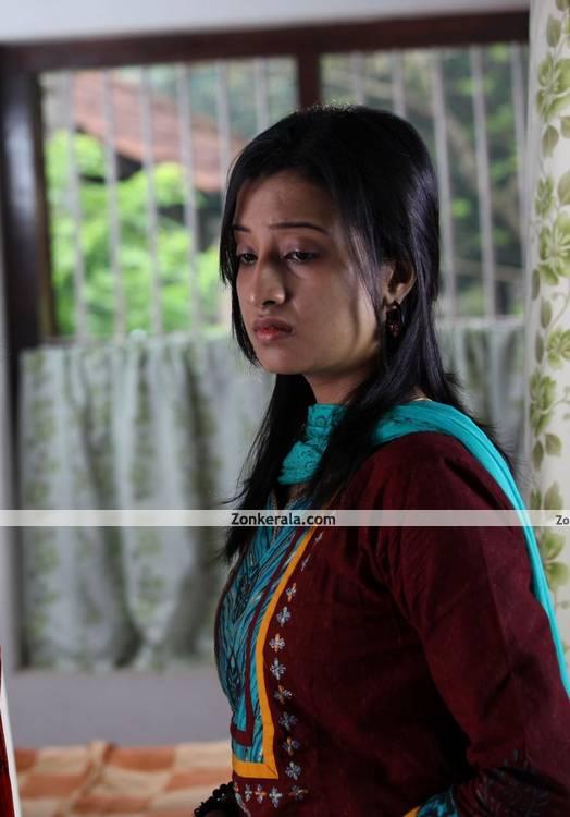 Aishwarya Muraleedharan Photo 6