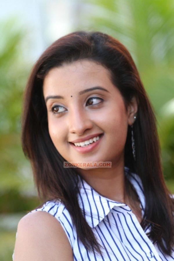 Actress Aishwarya Nambiar 5146