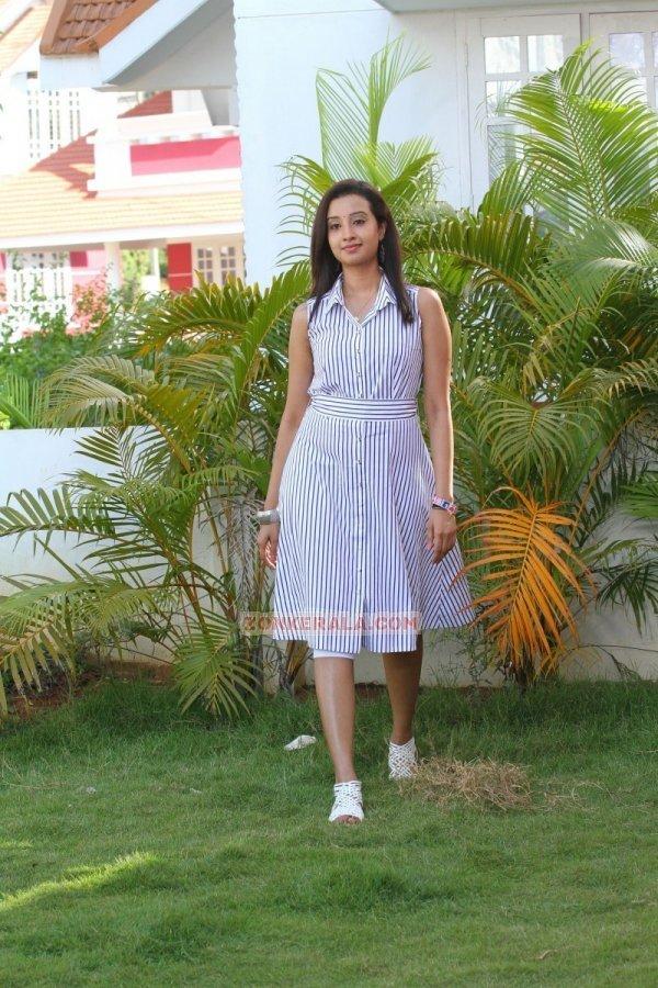 Aishwarya Nambiar Photos 834