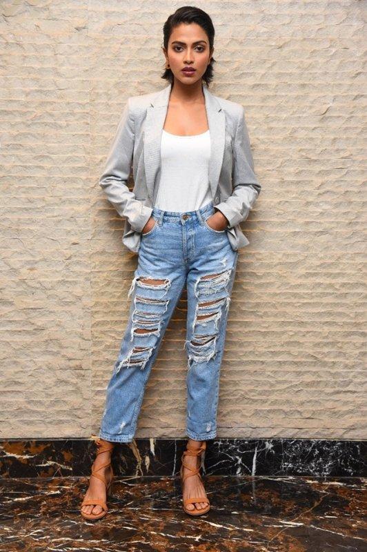 South Actress Amala Paul Latest Wallpaper 4605