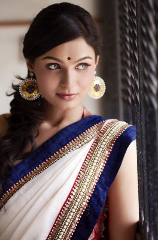 Actress Andrea Jeremiah Recent Albums 980