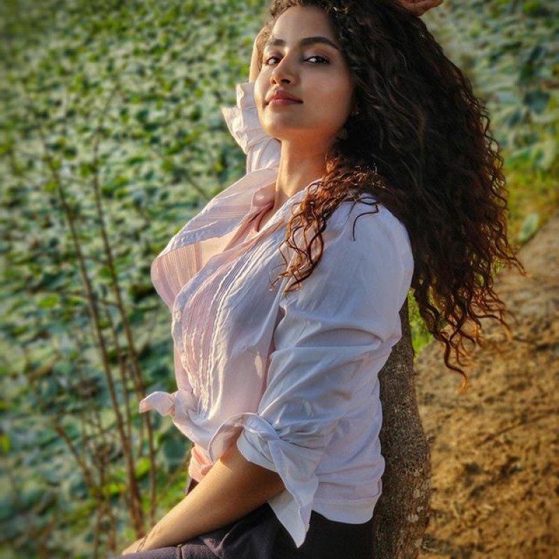 Recent Images Film Actress Anupama Parameswaran 191