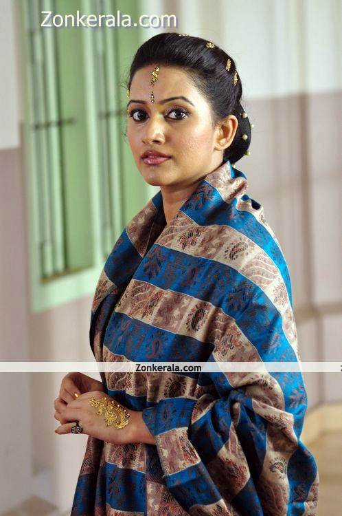 Actress Aswathy Ashok Photo 3