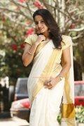 Actress Bhama 3925