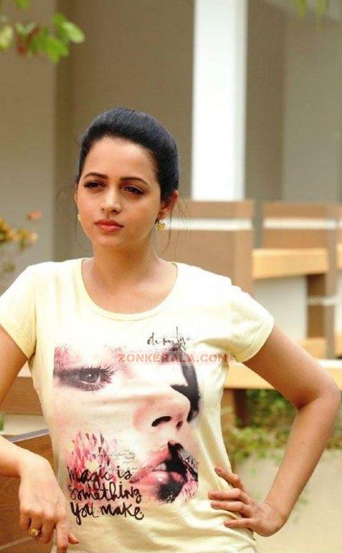 2015 Still Bhavana Heroine 4187