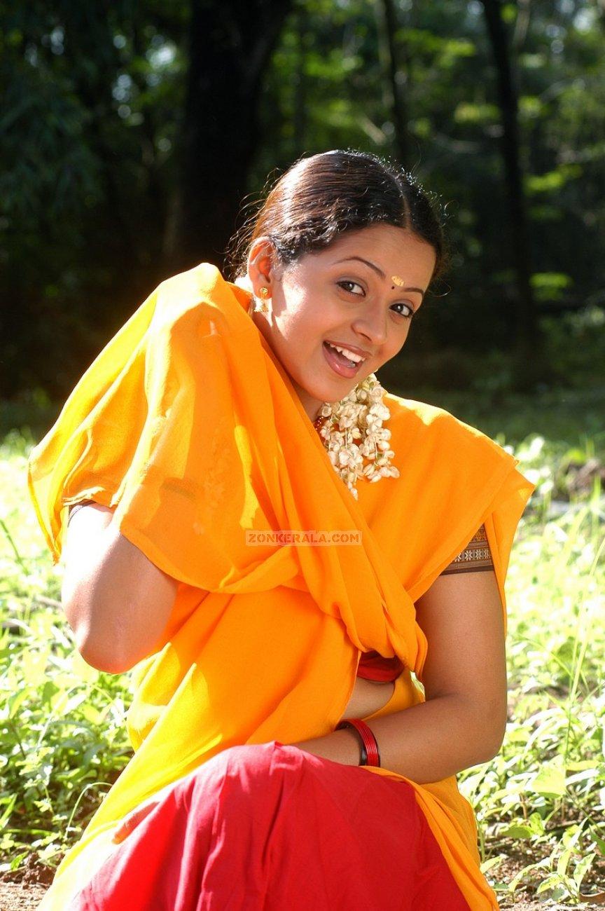 Actress Bhavana Photos 9518