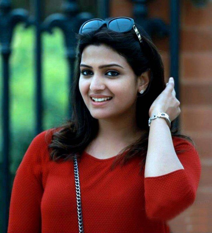 Divya Pillai Malayalam Heroine Recent Albums 5055