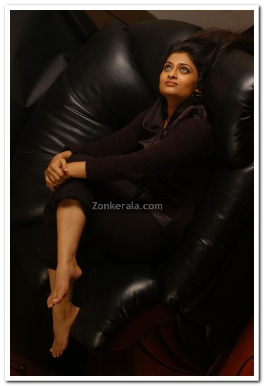 Geethu Mohandas Images 10