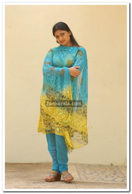 Geethu Mohandas Images 4