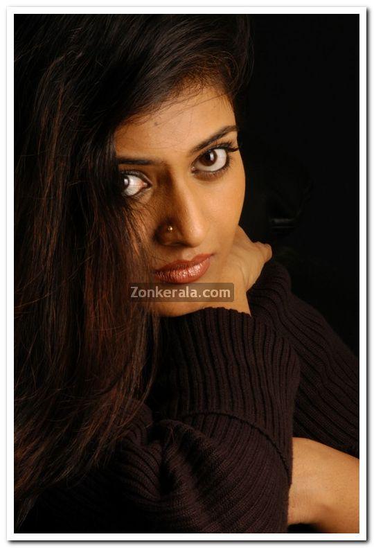 Geethu Mohandas Photos 10