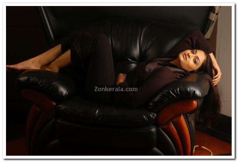 Geethu Mohandas Photos 5
