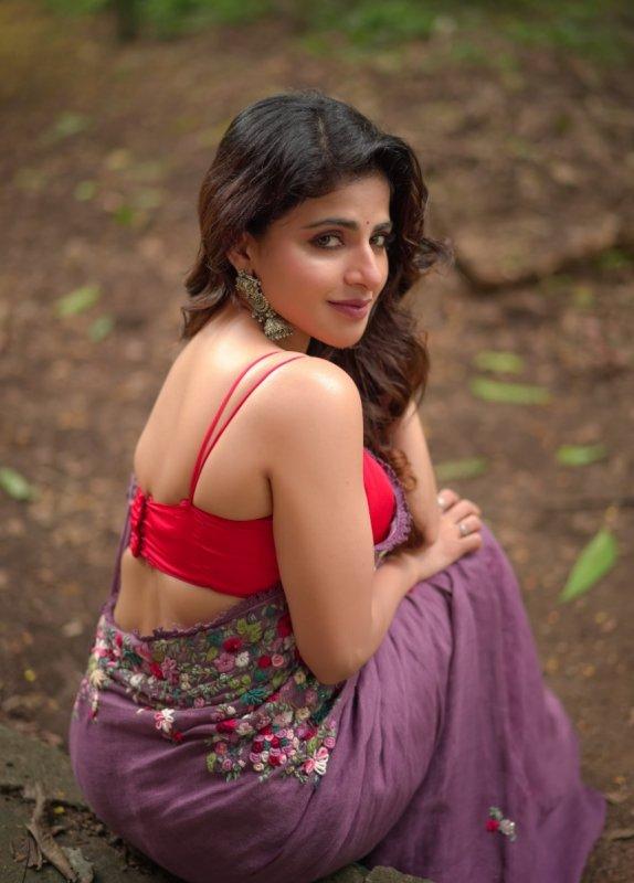 Actress Iswarya Menon May 2020 Galleries 8675