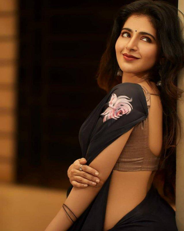 Iswarya Menon Movie Actress Recent Gallery 5805