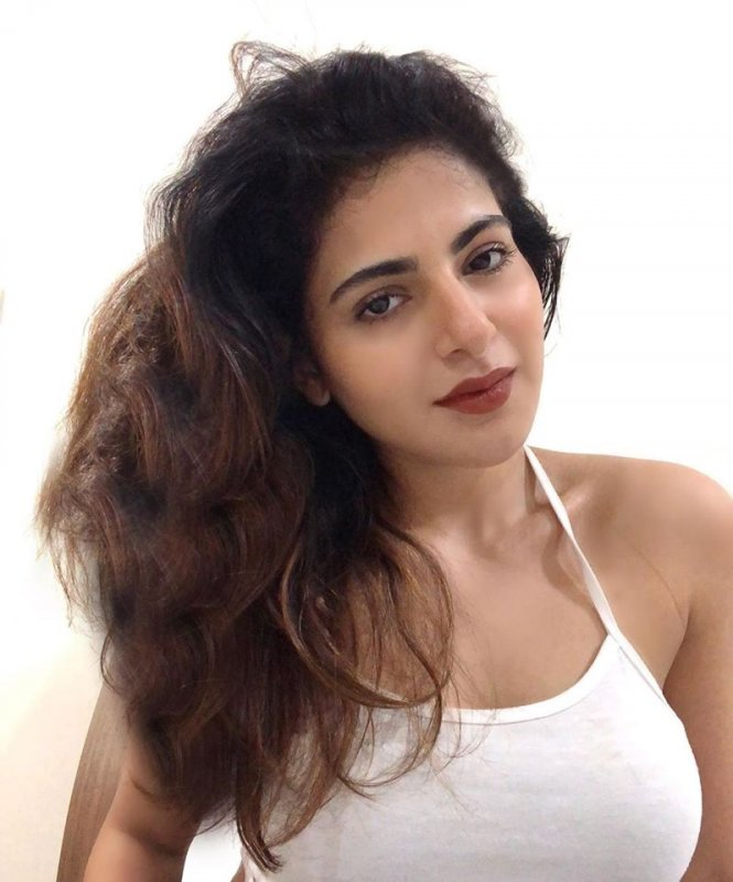 Malayalam Movie Actress Iswarya Menon 2020 Galleries 7577