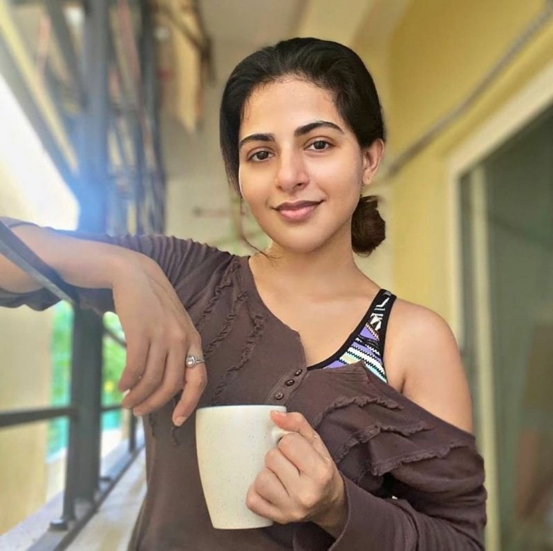 New Image Movie Actress Iswarya Menon 792