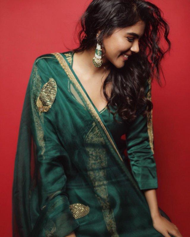 Cinema Actress Kalyani Priyadarshan New Photos 8824
