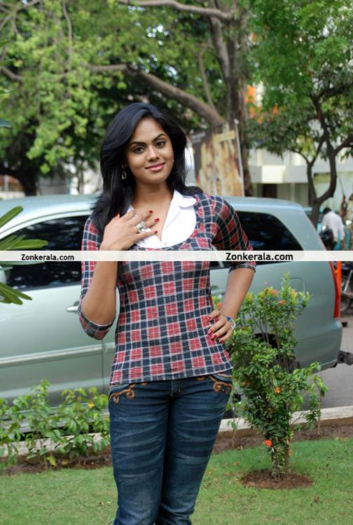 Karthika Nair New Still 2