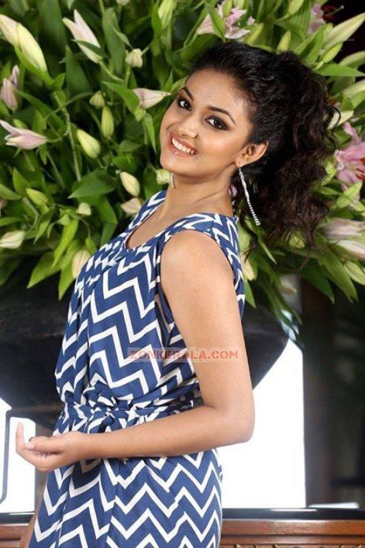 Keerthi Suresh Actress 2017 Gallery 679