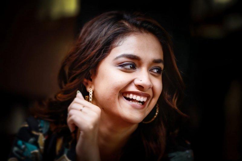 New Photos Malayalam Actress Keerthi Suresh 8396