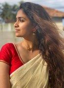 Recent Still Malayalam Heroine Keerthi Suresh 8615