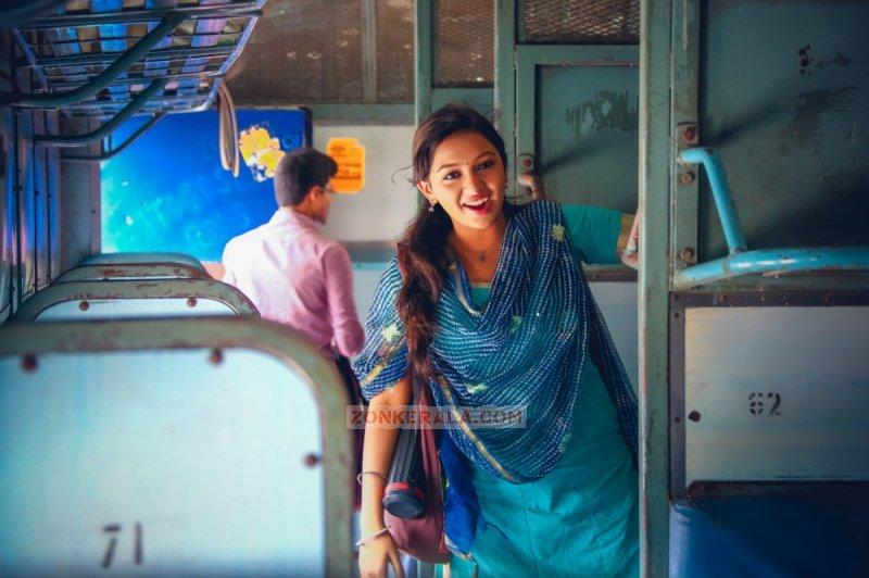 2015 Wallpaper South Actress Lakshmi Menon 1761